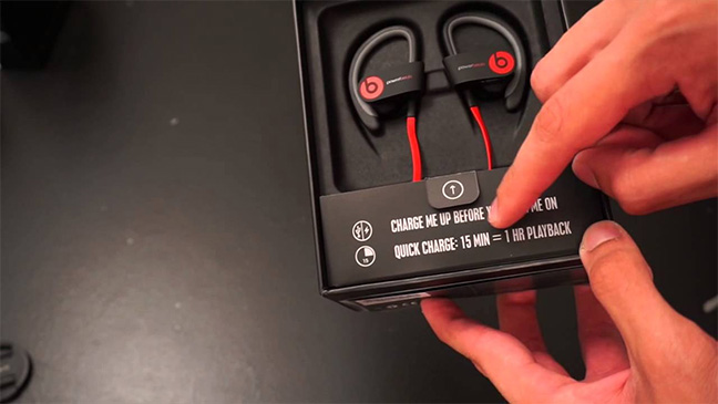 Review Powerbeats2 Wireless Earbuds Are Style Over Substance Iretron Blog