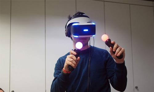 The PlayStation VR is very comfortable to wear.