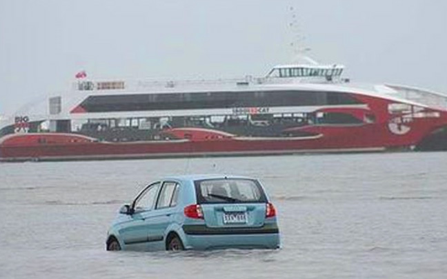 car-in-water