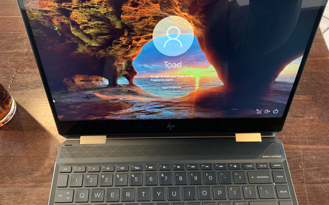 The HP Spectre x360 13 (2019) is very simple to use.