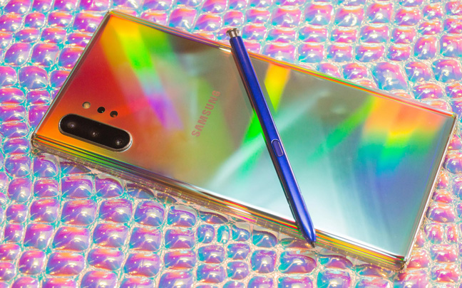 The Samsung Galaxy Note 10 does not have a headphone jack.