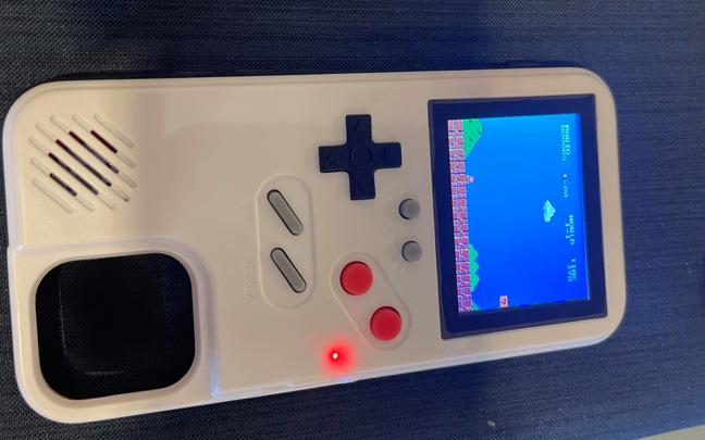 Super Mario Bros. works well on the Nostalgia Case.